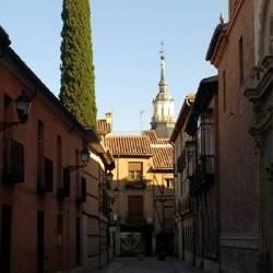 Estancia + Colegio Mayor de San Ildefonso + Consumición y Tapa Especial